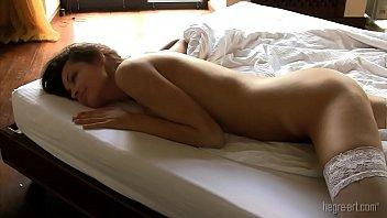Cassandra Peterson Elvira Nude Sex Scene On ScandalPlanetCom
