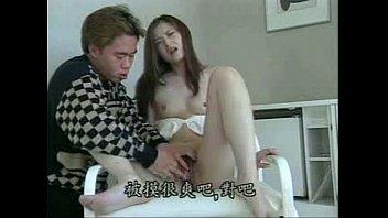 変態女子がセクシーなスケスケパンツでオナニー♡手マンでイク♡